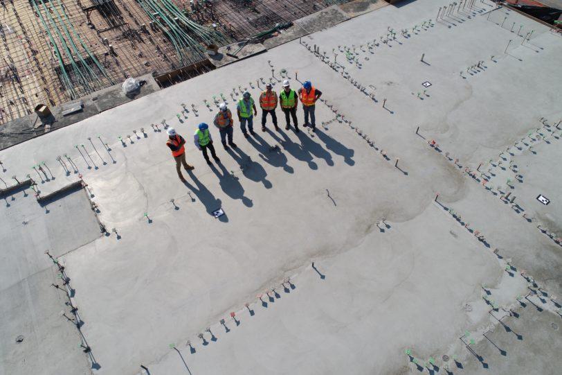 drone en situation de suivi de chantier